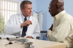 Cắt bao quy đầu là một tiểu phẫu cần thiết đối với nam giới bị dài hoặc hẹp bao quy đầu. Tuy nhiên, do tâm lý e ngại nên nhiều bạn không đủ cam đảm để làm tiểu phẫu. Vậy, cắt bao quy đầu có đau không?