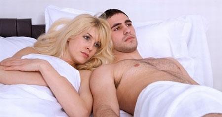 Biểu hiện mụn rộp sinh dục ở nam giới