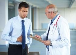 Tiểu ra máu là triệu chứng của bệnh gì?